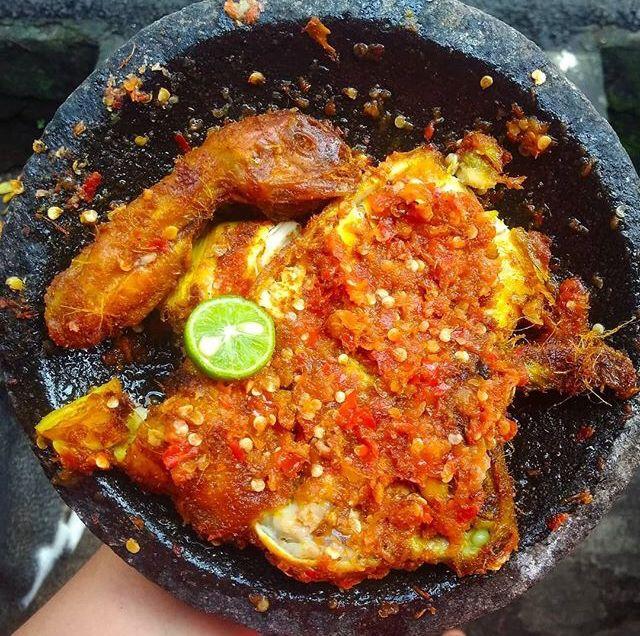 Rekomendasi Wisata Kuliner Makanan Khas Jakarta Barat Nasi Uduk