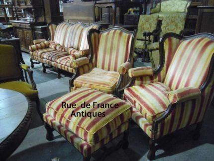 ANTIQUE - VINTAGE FRENCH 4 PIECE LOUNGE SUITE - WING BACK CHAIRS