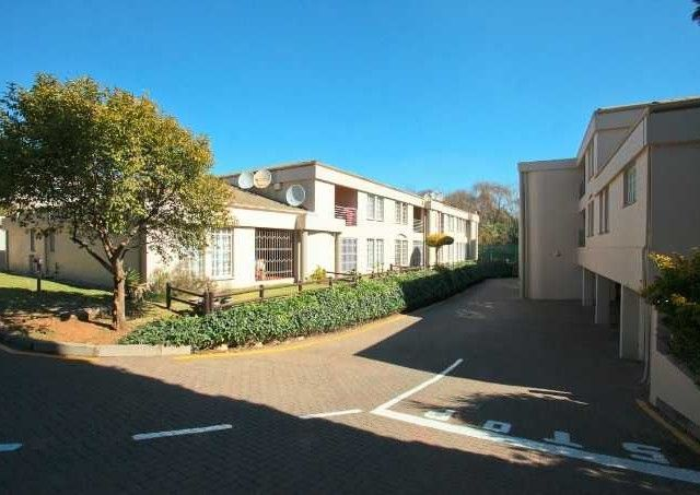 2 Bedroom Townhouse For Sale in Bedfordview