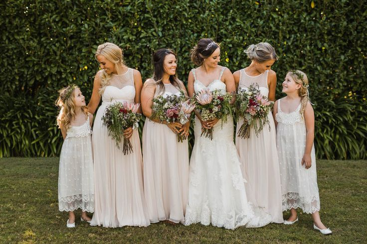 Megan and her bridesmaids + flower girls // PC: Curly Tree Photography