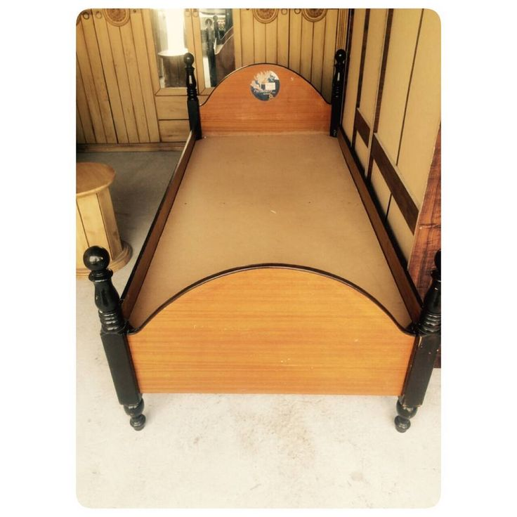 For Sale Wood Bed Single Size 190 X 90 In Good Condation Price 10 Bd للبيع سرير خشب بحالة ممتازة السعر 10 Bd Tel 3377005 Toddler Bed Bed Home Decor