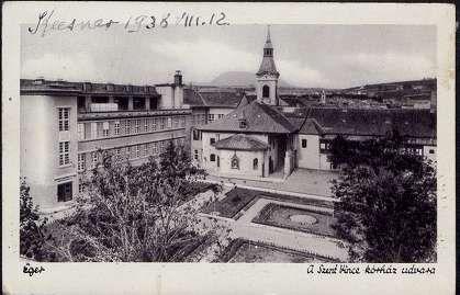 1938. Eger, Szent Vince kórház udvara - Széchenyi István utca | Képcsarnok | Hungaricana
