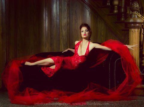 @studio2610-JoelBardeau   Photographie faisant partie d'une série prévue pour exposition en Allemagne pour le compte des créations couture de Sybella. Prises de vues au Château H. avec comme modèle électrique @Helena Patricio , make-up Wesley Hilton - Makeup  #roberouge #chateau #style #fashion