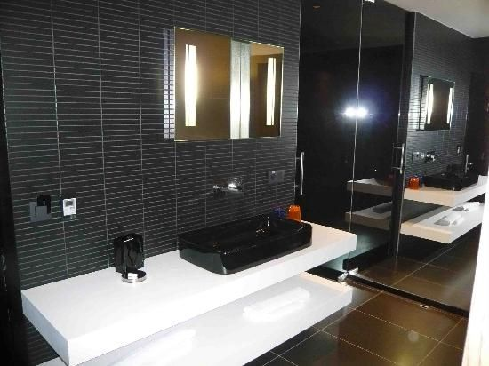 Carbon Hotel - Different Hotels : Bathroom sink