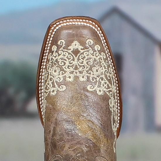 Corral Boots style A2663 is the perfect boot for every occasion. In fact a lot of women come in to the store and purchase these to wear on their wedding day. Th