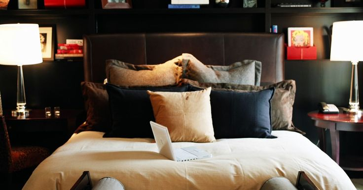 Dimensiones de las camas dobles, queen y king. El tamaño de todas las camas no es igual. Quizás creas que las camas están disponibles sólo en 4 tamaños: de una plaza, de dos plazas, tamaño queen y tamaño king; pero existe una gama mucho más amplia. Hoy en día, las camas están disponibles en tamaños adicionales que se denominan con términos como cama dual, extra grande y tamaño California. Cada ...