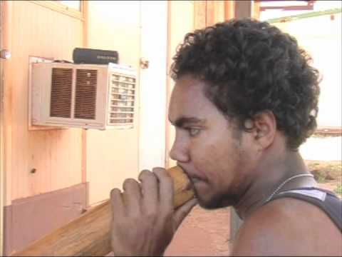 Didgeridoo lessons, tutorial by Vernon Gurruwiwi - YouTube