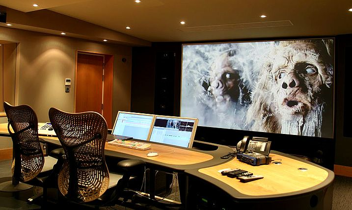 Again great lighting, desk space, multiple monitors & added benefit of large screen, this with more of a sporting feel