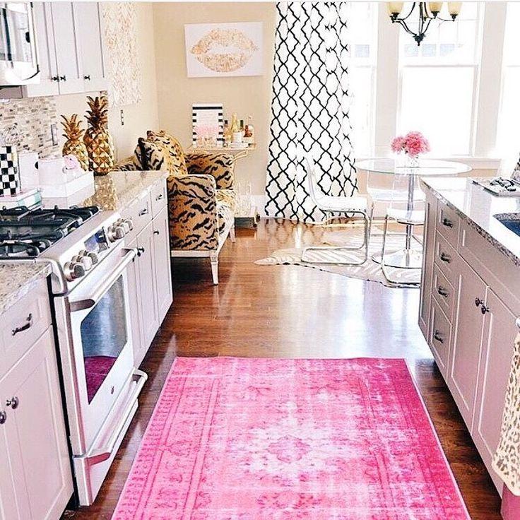 "cupcakekristie: "" overdyed pink rug   kiss wall art   gold pineapple jars   basketweave curtains """