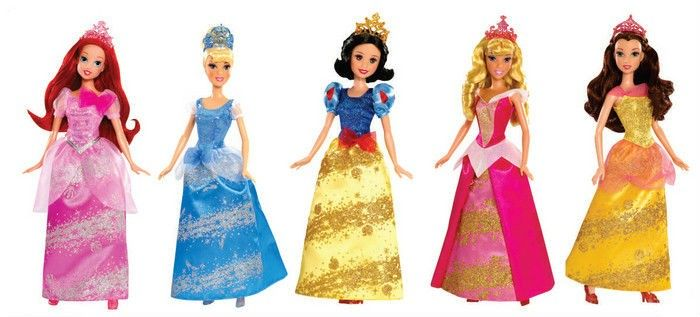 BARBIE PRINCESA JOYAS MÁGICAS 5 MODELOS DIFERENTES. Deja que tu hija se divierta junto a cada una de las princesas coleccionables de Disney,  Recrea las diferentes aventuras de cada una de sus películas y sus historias de amor.