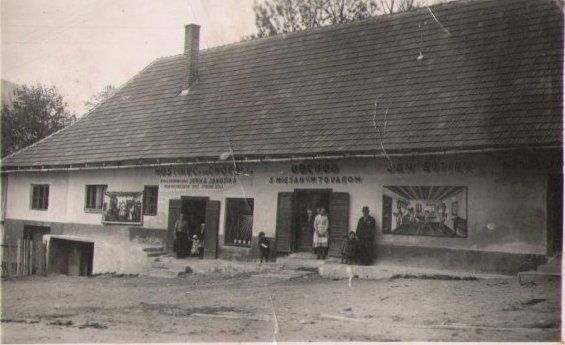 Krčma vo Valaskej Dubovej Olah Dubova Valachorum v roku 1935