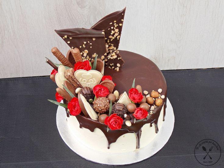Tort czekoladowo -orzechowy w stylu Drip Cake – Wędrówki po kuchni