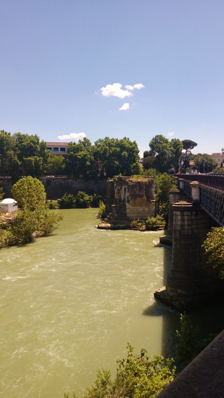 Bridge between new and old Pescara