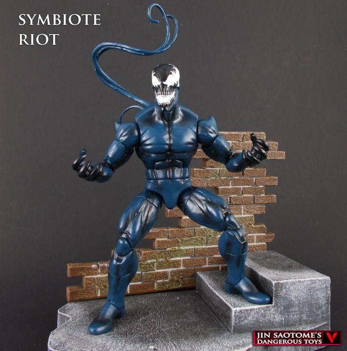 Custom Symbiote Riot Marvel Legends action figure