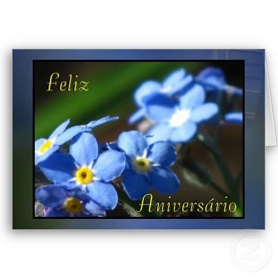 Tarjeta - Feliz Aniversário - Flores Azules  http://www.zazzle.com/card_feliz_aniversario_flores_azules-137108919874688922    Más tarjetas/more cards  http://www.zazzle.com/my/products/public/cg-196860458158393415/sr-250379433040886625