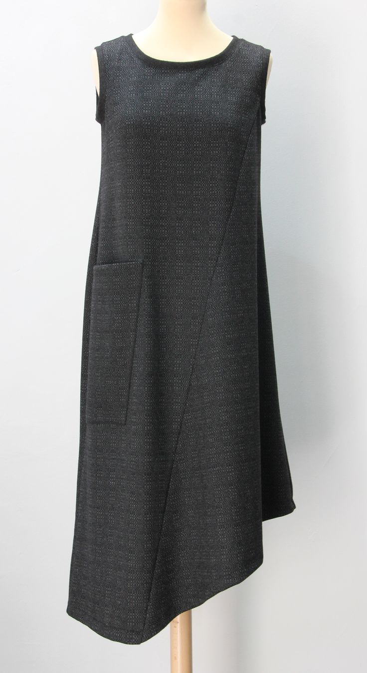 sleeveless grey pattern jersey dress with a pocket