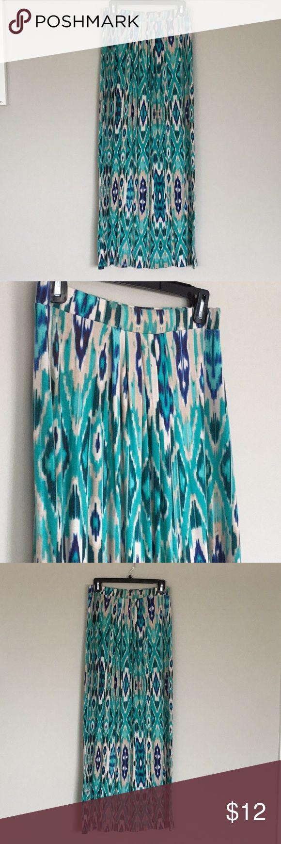 Never worn Cynthia Rowley tribal maxi skirt! Soft pleated maxi skirt Cynthia Rowley Skirts Maxi