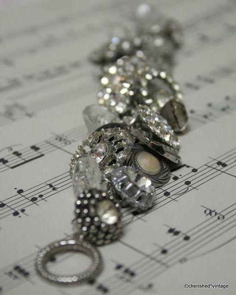 bracelet made of vintage buttons, #DIY