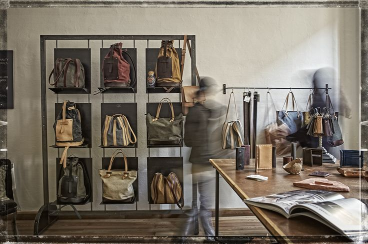El Mato Showroom handmade bags and accessories made in Italy