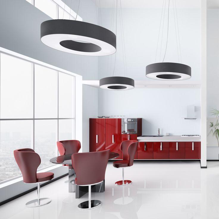 Żyrandole Saturno najczęściej stosowane są jako: żyrandole do salonu, żyrandole do jadalni, lampy wiszące do biura, czy dużego korytarza (także w budynkach użyteczności publicznej).