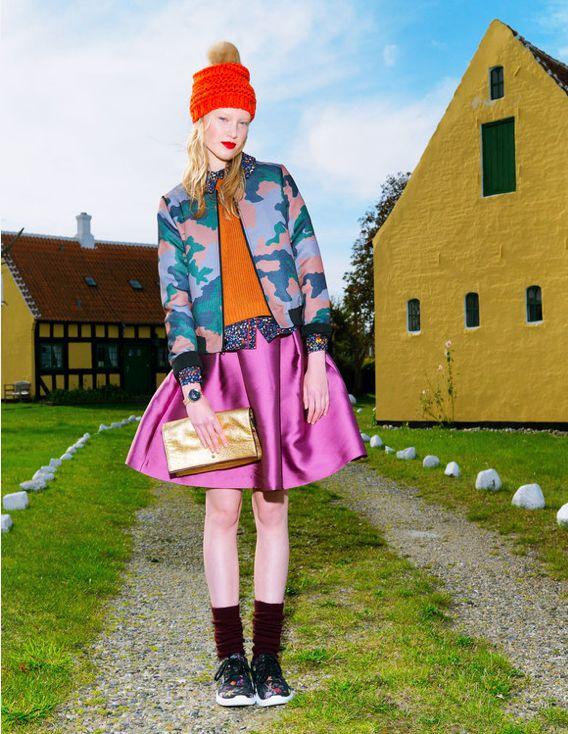 Naughty Dog FW1516 pink satin skirt featured inside Spanish magazine LA VANGUARDIA