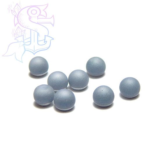 You will receive 10 cabochon spheres. Color shifts to different blue hues. They can be used for different purposes as fine handmade jewelry, and many others craft project! Please allow a minimum color differences due to different monitor settings from mine to yours! (¯`·.¸¸.-> °º Cabochon measurements: ø4mm º° <-.¸¸.·´¯)  .•°¤*(¯`★´¯)*¤°°¤*(¯´★`¯)*¤°•..•°¤*(¯`★´¯)*¤°°¤*(¯´★`¯)*¤°•..•°¤*(¯`★´¯)*¤°  *Shipping method informations*   You can choose between 2 shipping methods: ECONOMY…