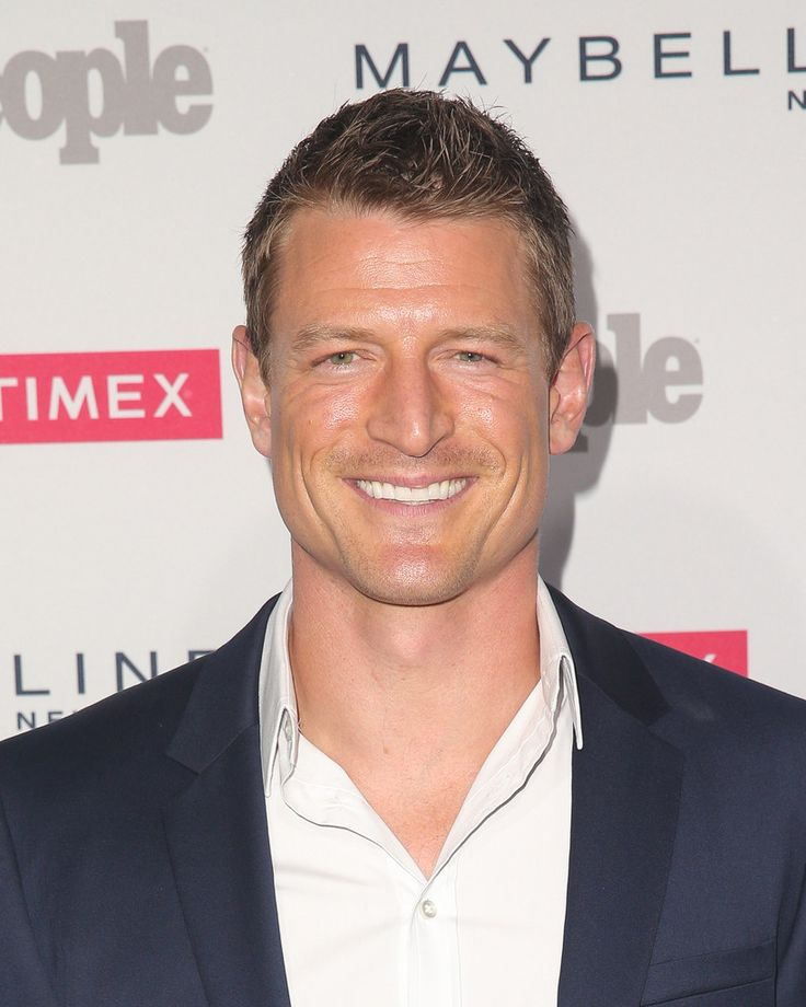 Philip Winchester Photos Photos - Actor Philip Winchester attends People's 'One To Watch' Event at Ysabel on September 16, 2015 in West Hollywood, California. - People's 'Ones to Watch' Event - Arrivals