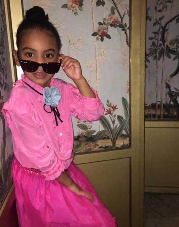 Beyoncé : sa fille Blue Ivy, 4 ans et déjà une fashionista ! (Photos)
