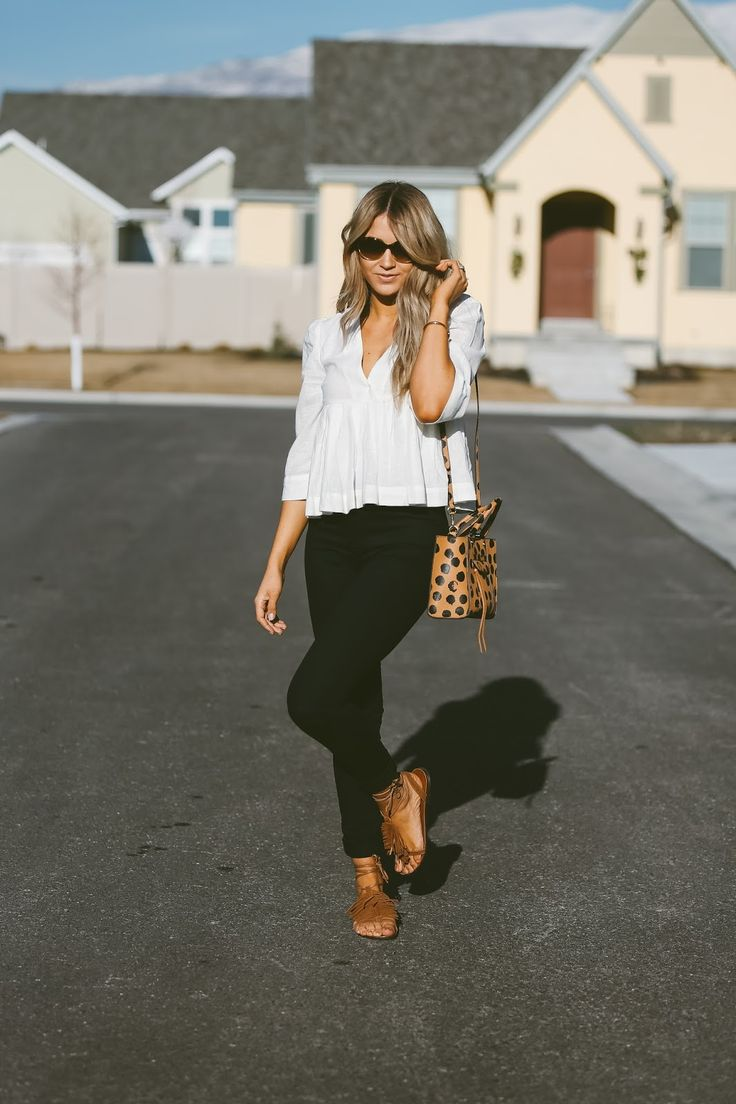 Finding the right store! CARA LOREN waysify