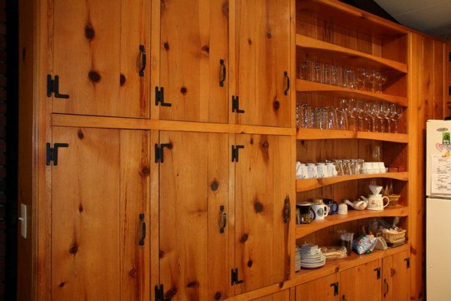 1000 images about ideas for the house on pinterest for Knotty pine kitchen cabinets
