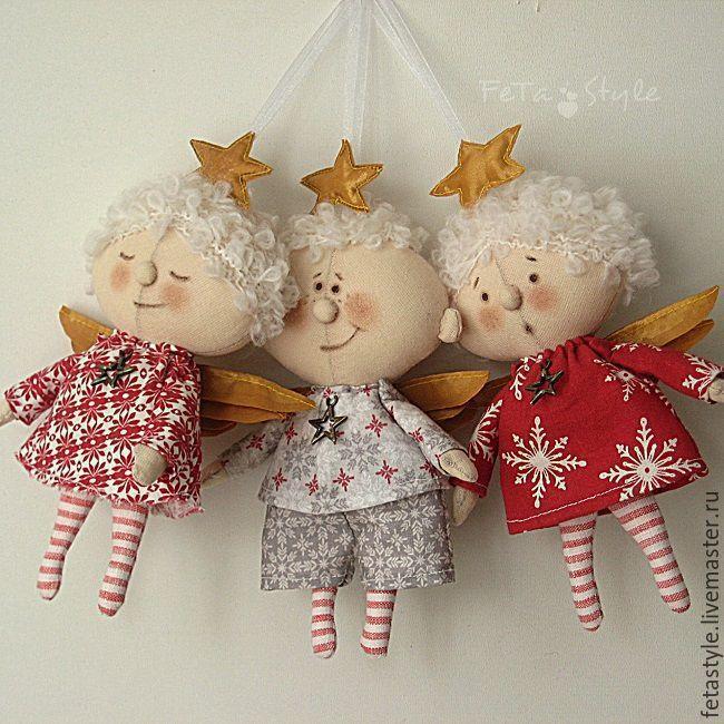 Купить или заказать Ангел Рождественская Звездочка Текстильная Кукла в интернет-магазине на Ярмарке Мастеров. Ангел Рождественская звездочка Текстильная кукла Цена указана за одного Ангела Три маленьких Ангела украсят детскую или Елку, есть петелька для подвешивания Ангелы сшиты из ткани, платьица и костюмчик из импортного хлопка, крылышки и звездочки - тафта Еще фото www.livemaster.ru/topic/1518865 На живой елке www.livemaster.ru/topic/1568715 Ангел Рождесвенская Звездочка - это Подарок…
