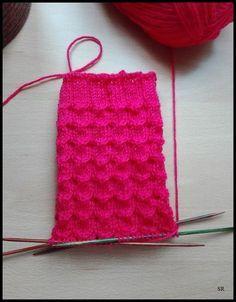 Annukka              60 Gesamtmaschen   Nadelspiel 2,5   Wolle von Gründl: Hot Socks Neon - Farbe 81  Größe 39/40       Bündche...