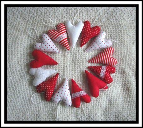 Lasička - Tvoření pro radost - Fotoalbum - 01 Šití a šitíčko - Vánoční dekorace - Ozdoby na stromeček 2010 - 01 Ozdoby na stromeček - červenobílé