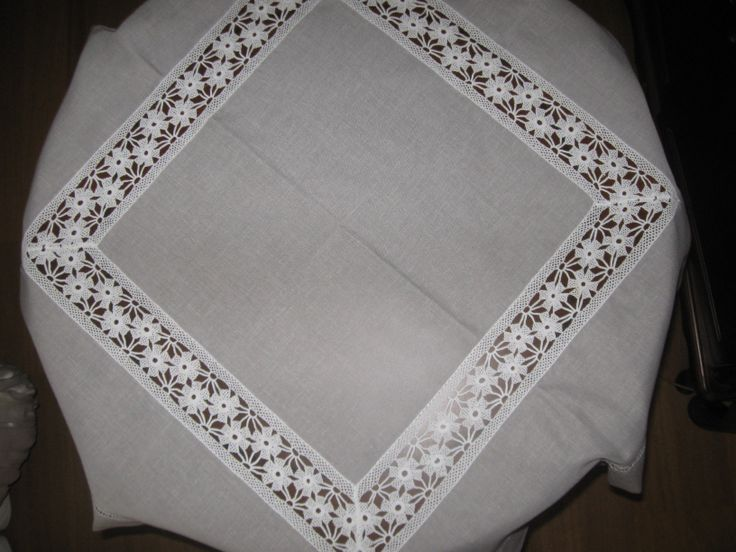 Tablecloth lacework & linen