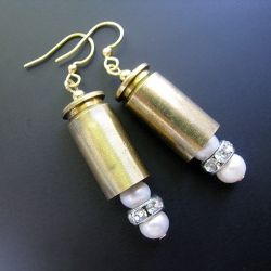 bullet case earrings......Wire Jewelry, Crafts Ideas, Diy Crafts, Cases Earrings, Guns Girls, Recycle Bullets, Bullets Shells, Bullets Cases, Bullets Earrings