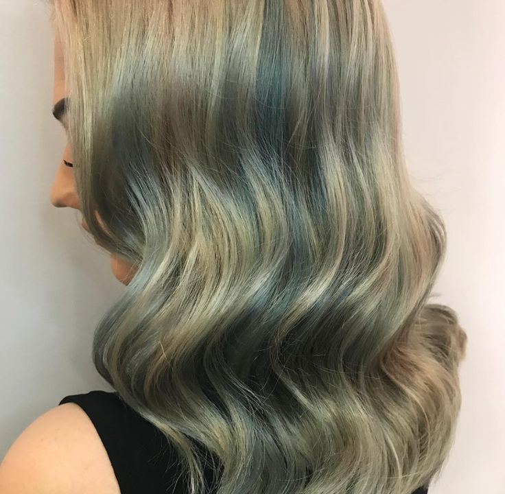 Michelle Marshall uses Redken Shades EQ Pastel Aqua Blue and Silver Green