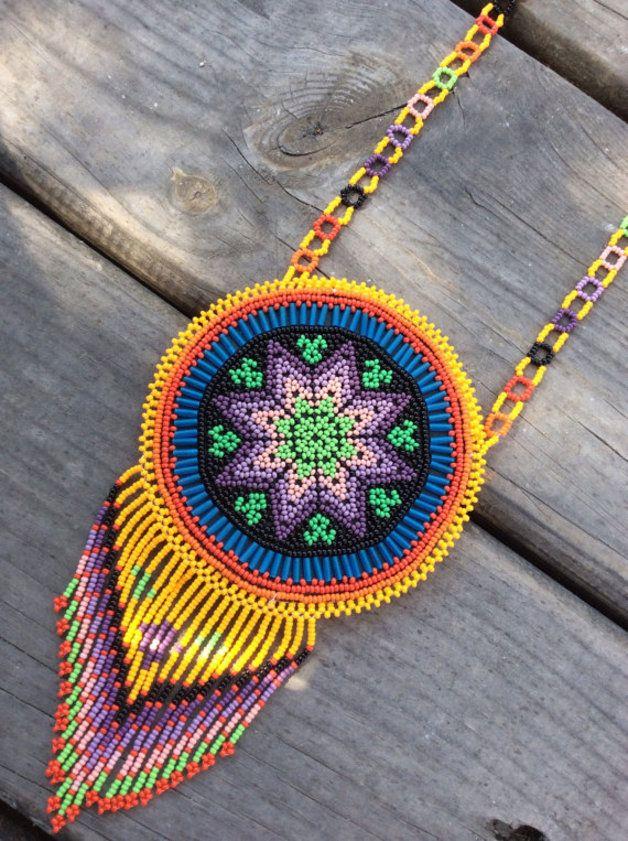 Bisutería con cuentas - Collar hiuchol de chaquira, estilo hippie, bohemio - hecho a mano por PureLoveMx en DaWanda