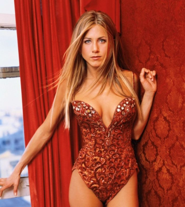 Hottest Women Celebrities Over 40 - 10. Jennifer Aniston