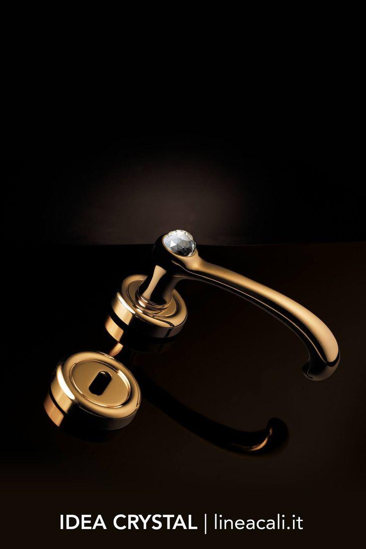 """Idea Crystal   The Swarovski® crystal embedded in the handgrip emphasize the graceful and sinuous lines that make this collection """"light"""" but precious - - - Il cristallo Swarovski® incastonato nell'impugnatura pone l'accento sulle linee aggraziate e sinuose che rendono questa collezione """"leggera"""" ma preziosa. #handles #doorhandle #doorhandles #lineacali #maniglie #round #crystal #swarovski #brass #klamki #ручки #manillas #klinken"""