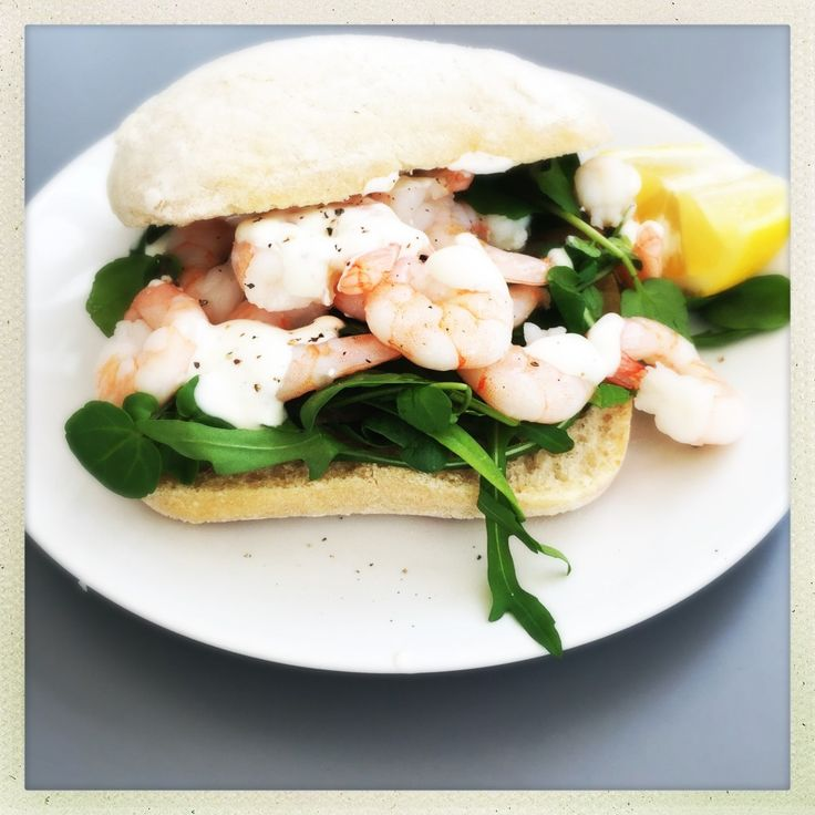 Healthy prawn sandwich with lemon yogurt dressing | Daisies & Pie
