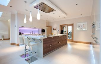 Halcyon Interiors fit Alno kitchens