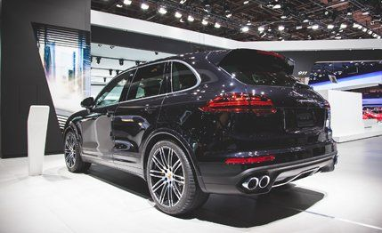 2016 Porsche Cayenne Turbo S Photos and Info – News – Car and Driver