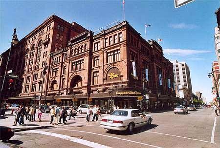 Montréal rue St-Catherine, Montréal, Québec, Canada