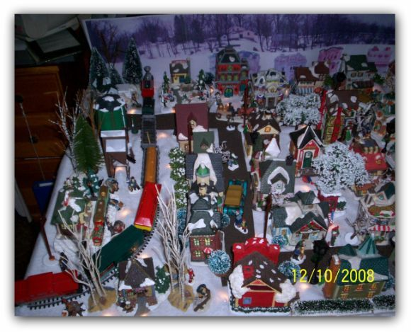 HO Scale Christmas Train Village | ... not so much a train modeler as I am a christmas village modeler