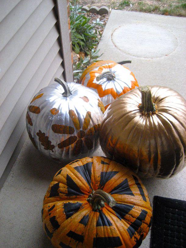 3 modi diversi per decorare una zucca http://www.piccolini.it/tips/715/3-modi-diversi-per-decorare-una-zucca/