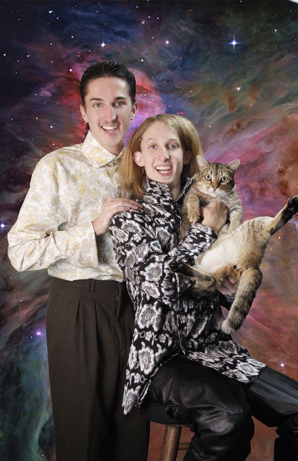 70 best Awkward Family Photos images on Pinterest | Awkward family ...