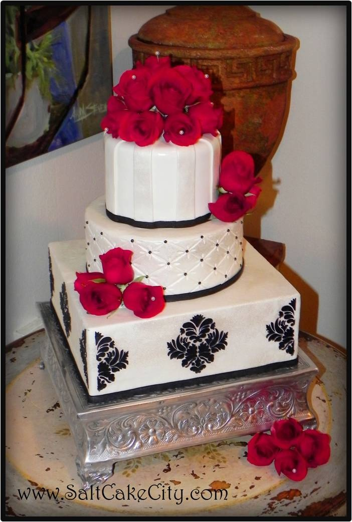 square black and white wedding cakes pictures%0A black cake white damask wedding  Recherche Google