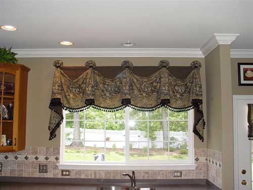 Nice Valance Design. I Think I Like This For The Kitchen Windows And Patio  Door