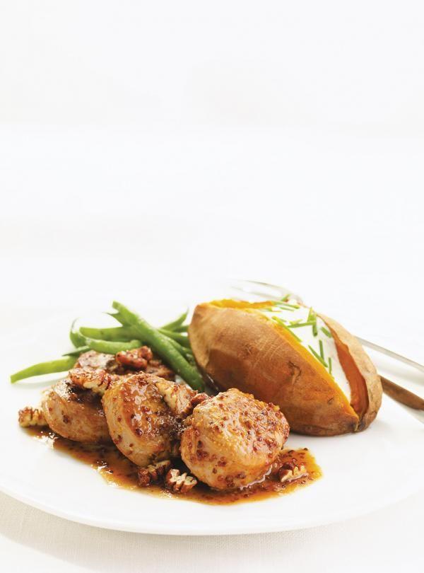 Recette de médaillons de porc à l'érable. Ces médaillons de porc à l'érable sont délicieux avec des patates douces cuites au four. Recette de saison. 4 à 5 portions.