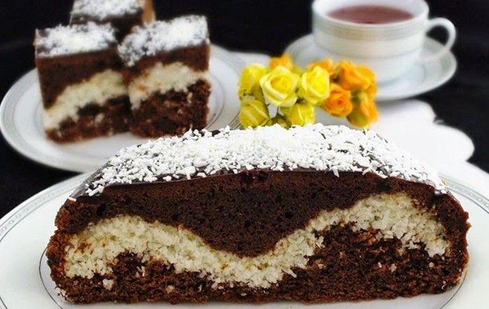 Delikatesa, která má lahodnou kombinaci chutí. Tmavé kakaové těsto a kokosová vlna uvnitř. Lahůdka.